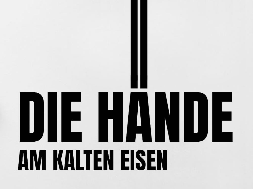Die Hände am kalten Eisen